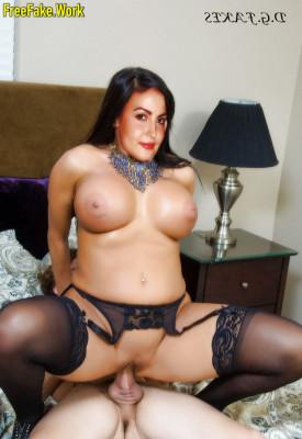 Elli-Avram-Nude-Bollywood-Actress-Sex-2817.md.jpg