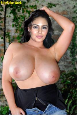 Huma-Qureshi-Nude-Indian-film-actress-Sex-065.md.jpg