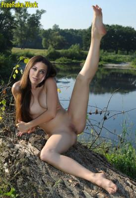 Karishma-Kapoor-Indian-Nangi-Photos-Bollywood-Actress-Sex-Fakes-033.md.jpg