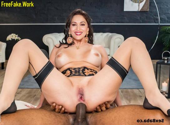 Madhuri-Dixit-Nude-Indian-Actress-Sex-026.md.jpg