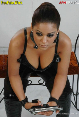 Mumaith-Khan-Nude-Indian-Film-actress-Sex-2400.md.jpg