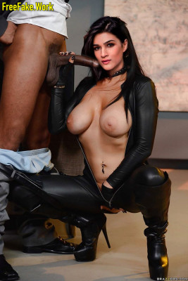 Indian-Actress-Leather-Latex-Fantasy-Fakes-102458777_207840_02big5ffc538268eb8352-256.jpg