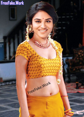 Sexy-Tamil-actress-Indhuja-nude-blouse-and-navel-without-saree-photo.md.jpg