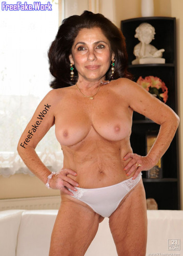 Dimple-Kapadia-topless-old-boobs-without-bra-nude-image.md.jpg