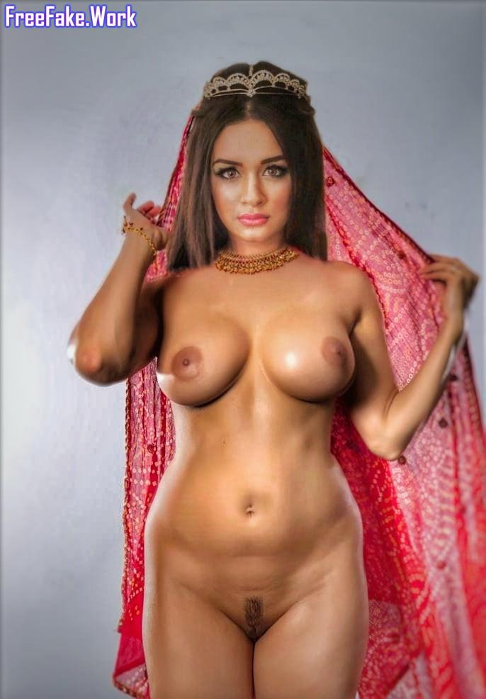 Naked-pics-of-Avneet-Kaur-Nude-Fakes-Hot-1.jpg