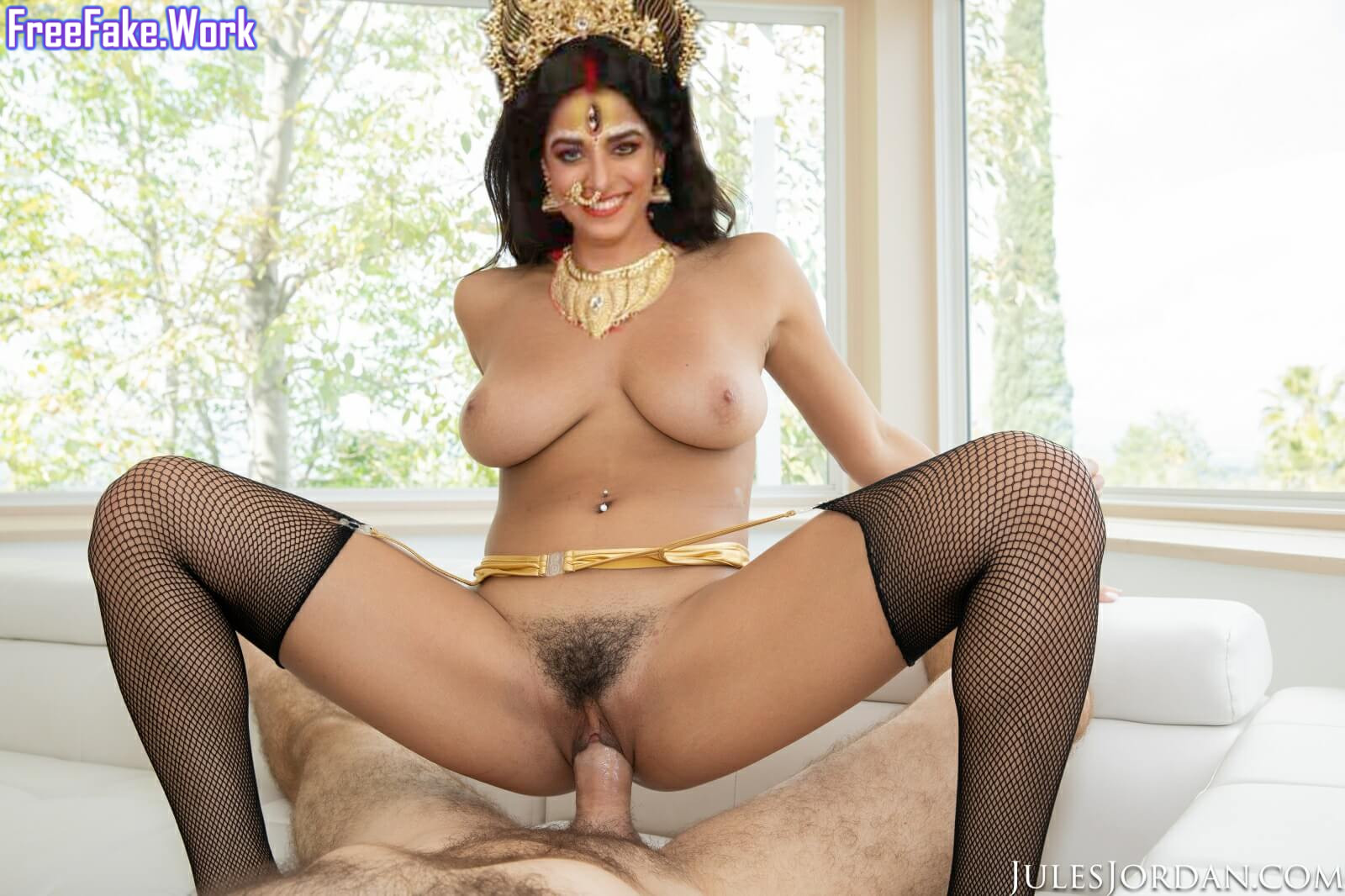 Pooja-sharma-fake-god-sex-2.jpg