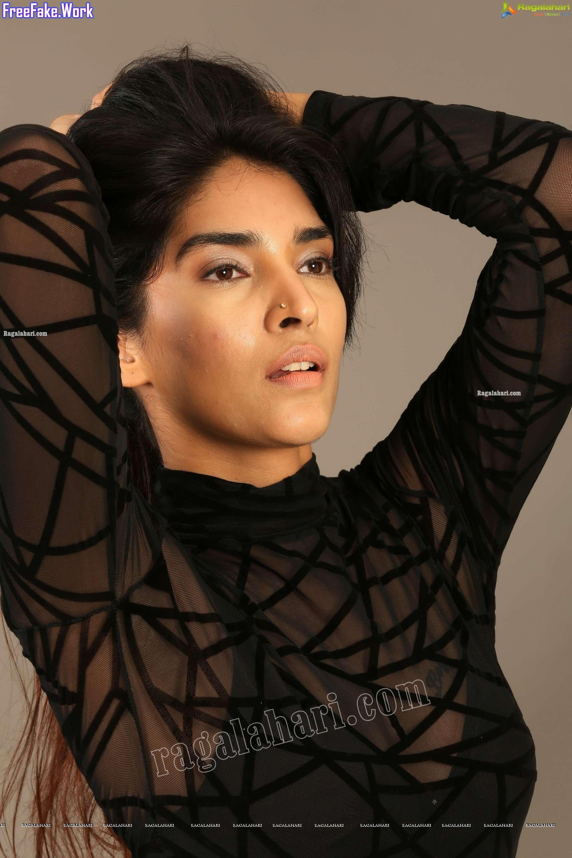 Hot-Supraja-Narayan-black-bra-close-up-see-through-top-1.jpg