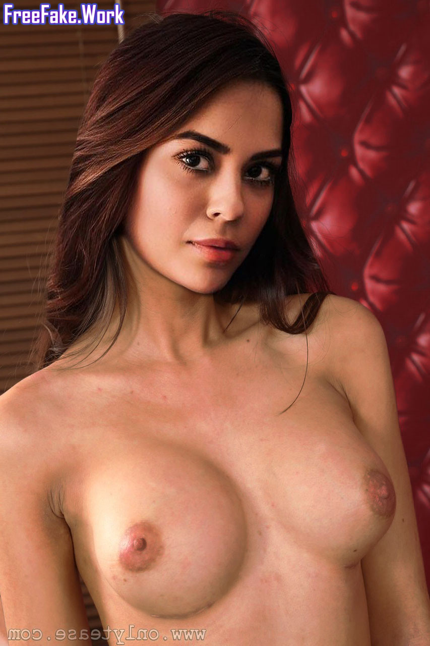 Naked-pics-of-Sana-Saeed-Nude-Fakes-Hot.jpg