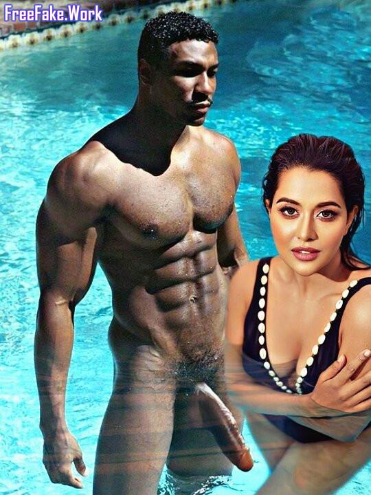 Raiza-Wilson-inside-pool-nude-hot-cleavage-photoshoot-with-big-black.jpg