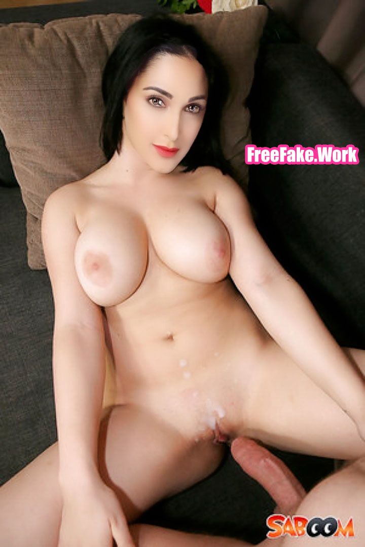 AD-director-cum-on-Kiara-Advani-naked-white-body.jpg