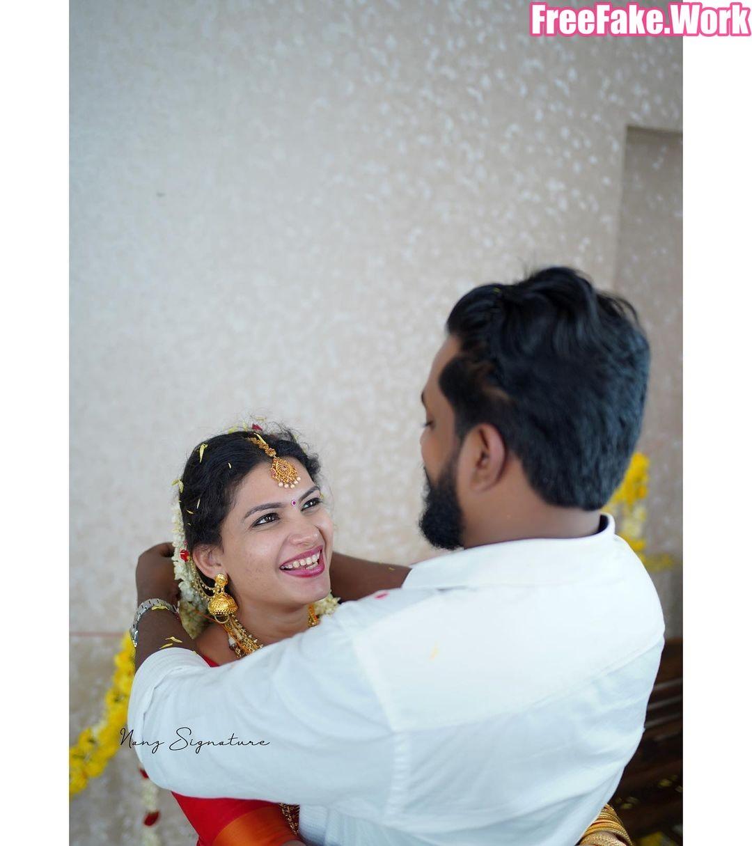 Resmi-R-Nair-marriage-photoshoot-02.jpg
