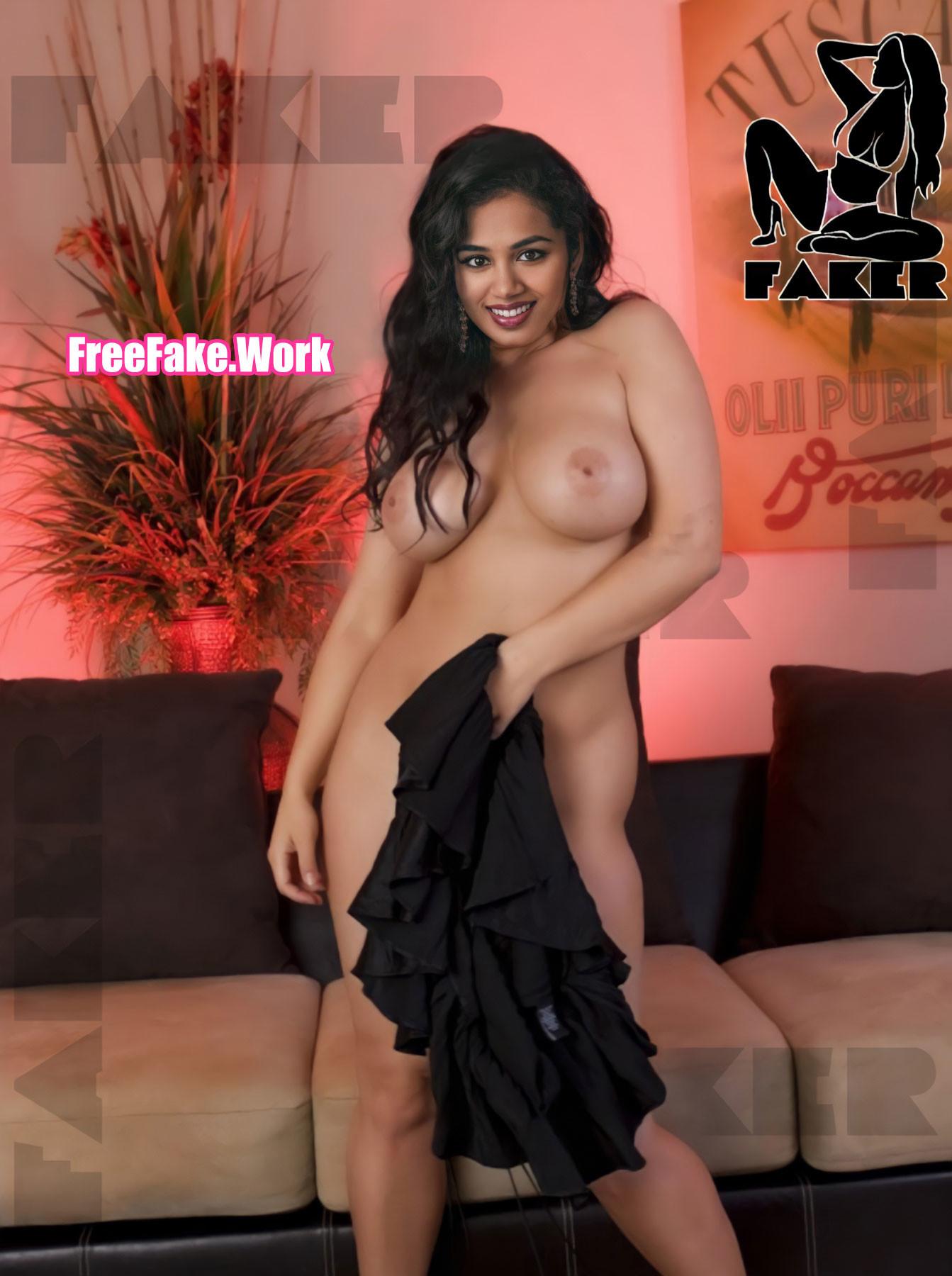 Full-Nude-Manisha-Eerabathini-covering-her-naked-pussy-photo-com.jpg