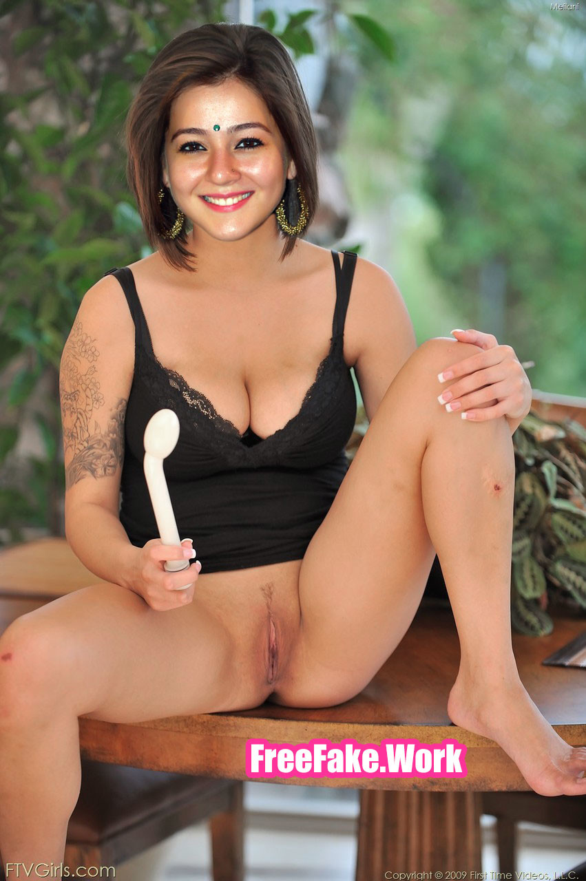 Priyal-Gor-spreading-leg-shaved-pussy-hot-cleavage.jpg