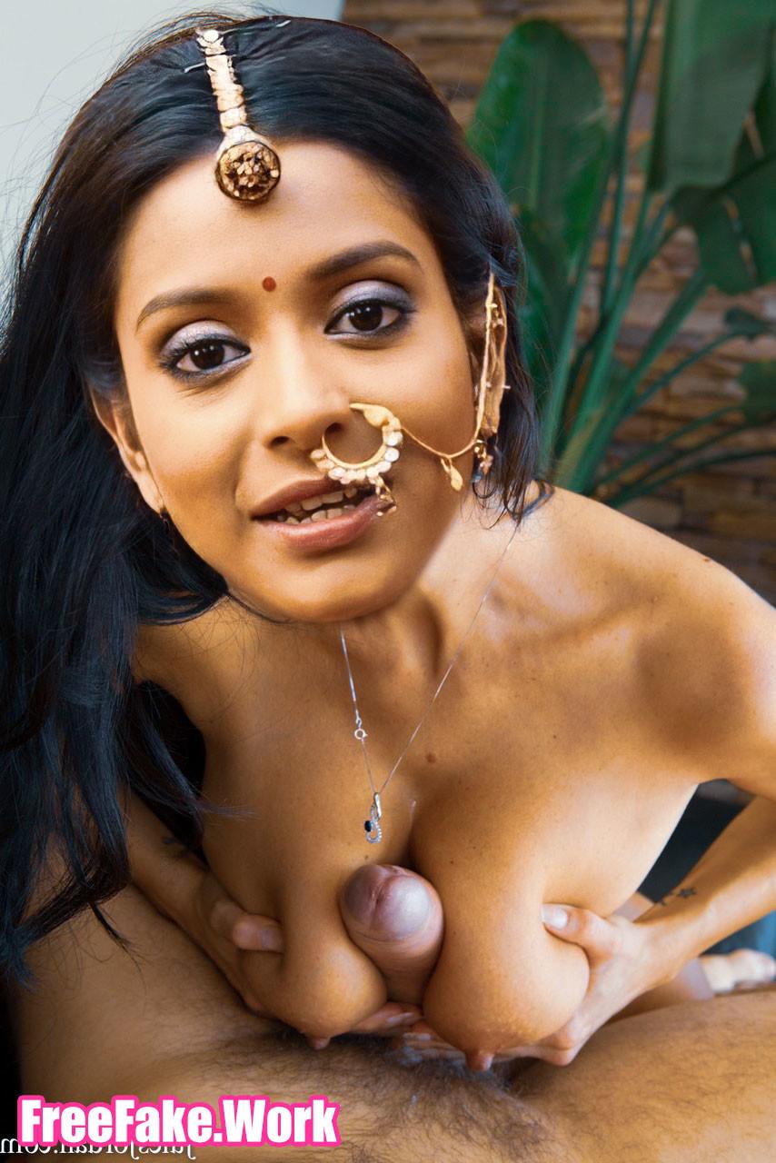 Rachanaa-Parulkar-small-boobs-cleavage-fucking-director-cock.jpg