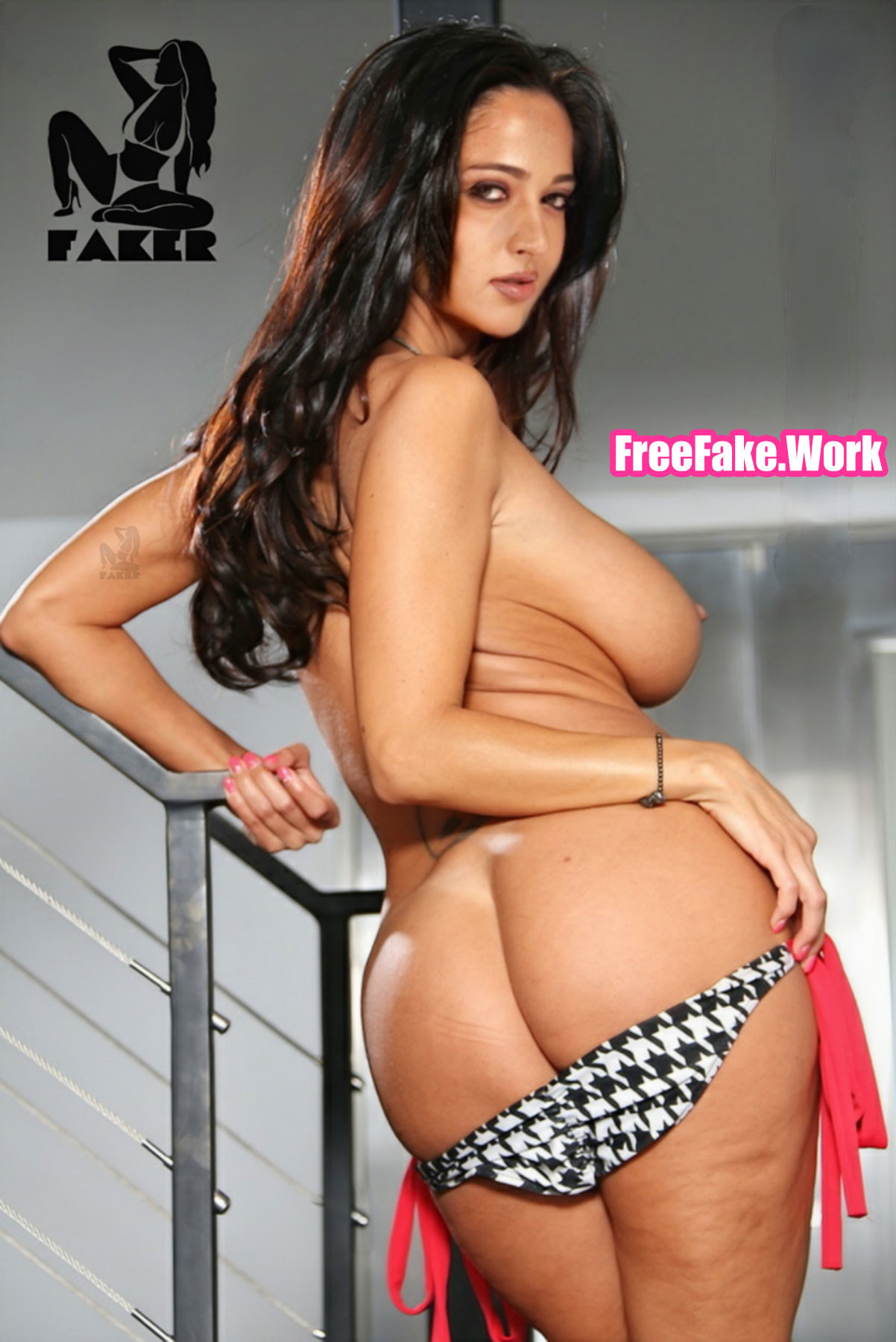 Topless-Anushka-Shetty-nude-ass-back-pose.jpg